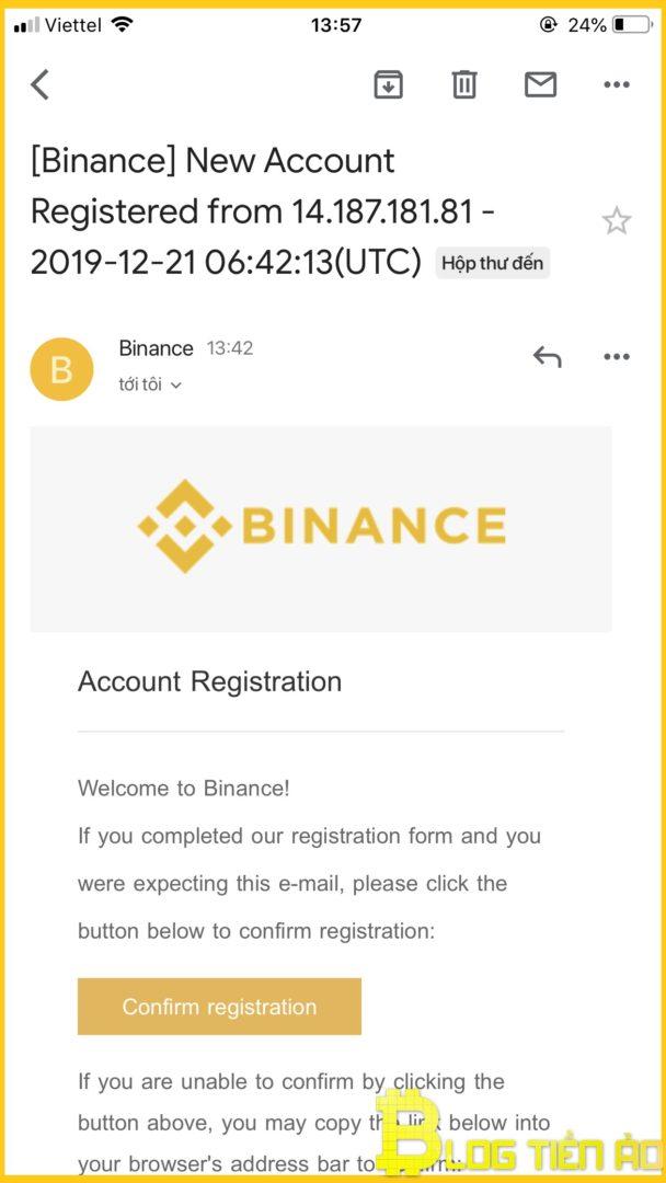 Conferma la registrazione via e-mail