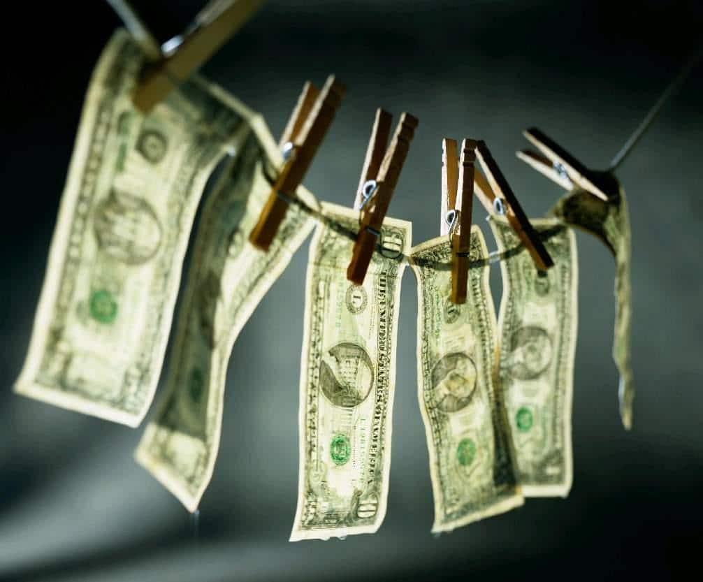 काले धन को वैध बनाना