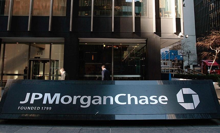 """JPMorgan: """"يتدفق الكثير من الأموال إلى البيتكوين"""""""