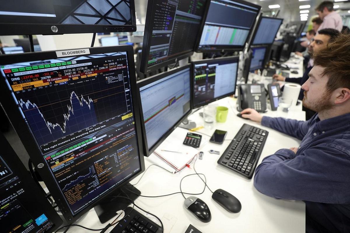 """Khối lượng giao dịch hàng ngày của Bitcoin tăng cao kỷ lục trên khắp các sàn vào ngày thứ hai """"đẫm máu"""""""