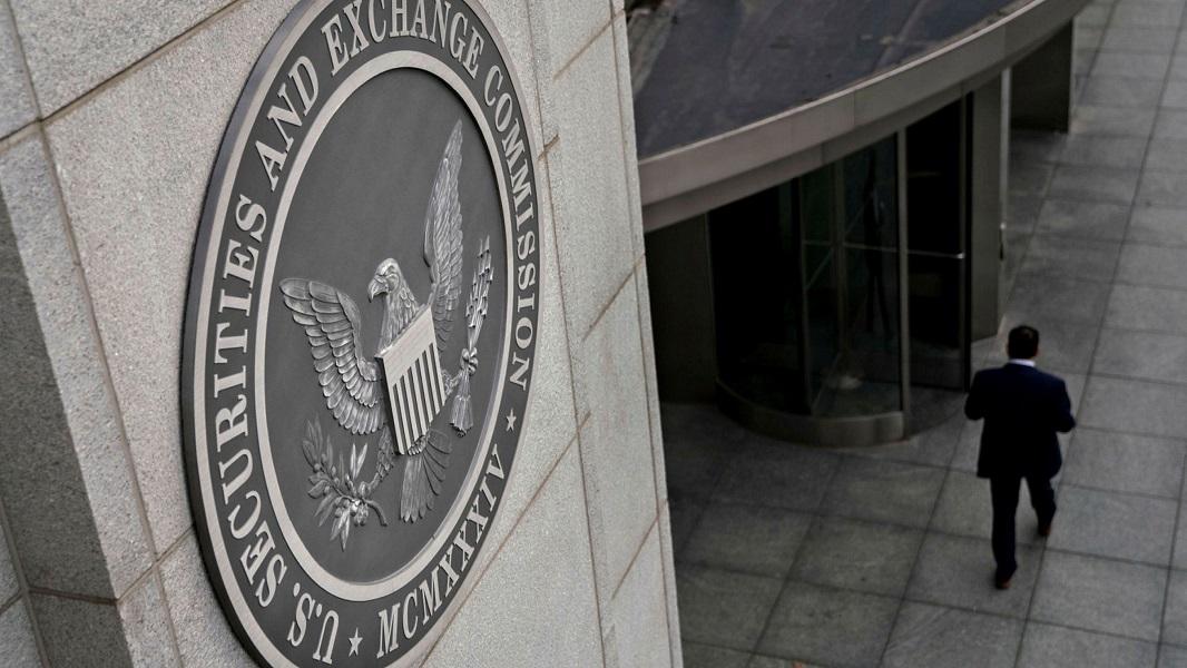 واصلت هيئة الأوراق المالية والبورصات هجومها على الريبل ، متهمة الشركة بتضليل المستثمرين والتلاعب بأسعار XRP.