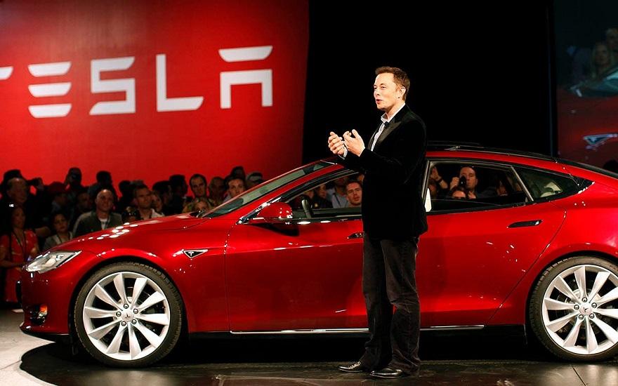 تسمح Tesla للعملاء باستخدام Bitcoin لشراء السيارات الكهربائية ويتحدث Elon Musk عن Bitcoin