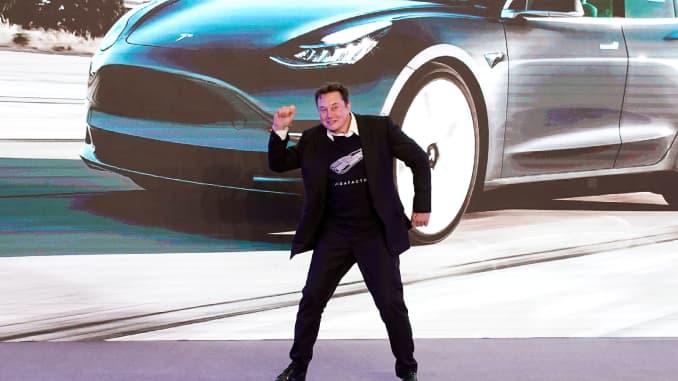 اشترت Tesla ما قيمته 1.5 مليار دولار من عملات البيتكوين
