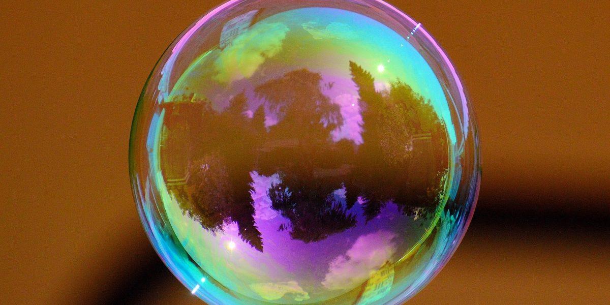 Vitalik: Tiền điện tử đang ở trong một bong bóng, Bitcoin có thể bị soán ngôi vương