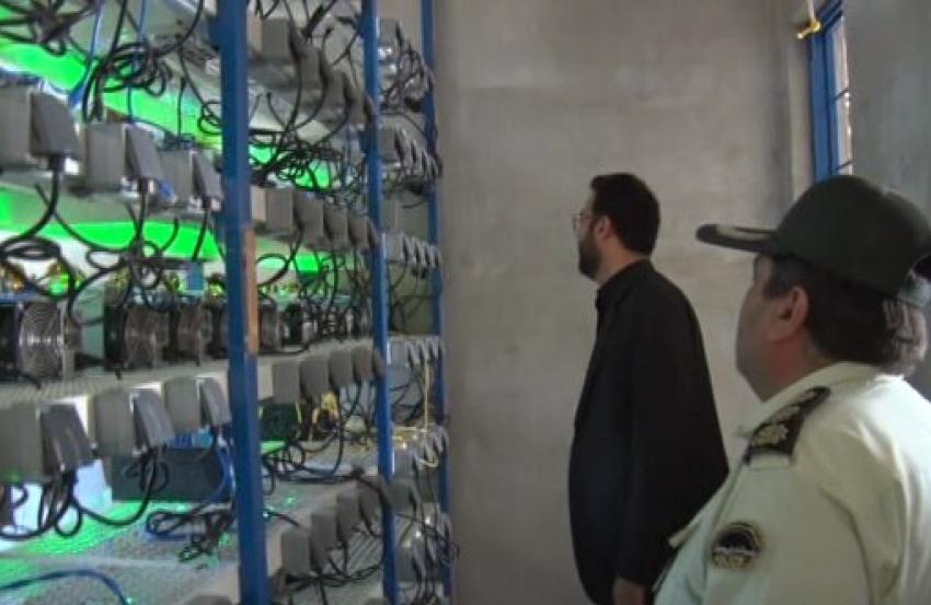 Iran tịch thu thêm 7.000 máy đào