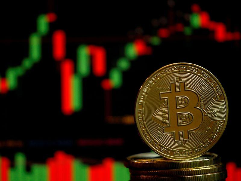 44% nhà đầu tư tin Bitcoin sẽ kết thúc năm 2021 dưới 30.000 USD