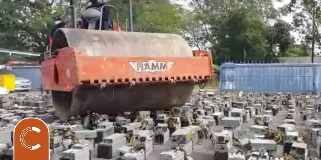 Malaysia tiêu hủy hơn 1000 máy đào Bitcoin