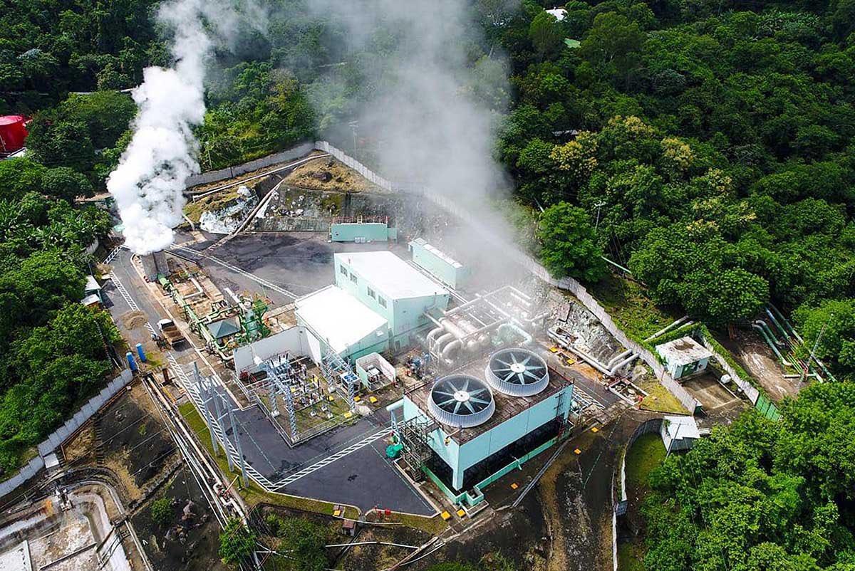 El Salvador bắt đầu khai thác bitcoin bằng núi lửa